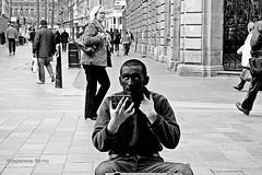 the eye of the beholder (japanese forms) Tags: street urban bw woman man monochrome digital mirror blackwhite random streetphotography makeup streetlife agfa streetshot altversion reup agfafilm theeyeofthebeholder strasenfotografie marcbehm ©japaneseforms2013 glasgowarchives