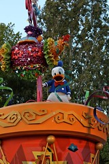 Soundsational-Donald (thelesliebelle) Tags: disneyland disney entertainment characters soundsational mickeyssoundsationalparade donaldsfiestafantastico