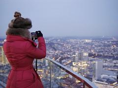 von anderen Perspektiven (Svenjanein) Tags: frankfurt germany maintower view aussicht aussichtspunkt viewpoint aussichtsplattform nightscape nacht skyscraper wolkenkratzer hochhuser frankfurtammain bankenviertel photography fotografie