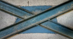 >< (CGM 9) Tags: minimalism minimalismo abstract abstracto lneas lines blue azul wall iron