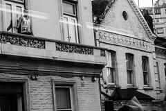 IMG_9665.jpg (clayjon61) Tags: streetphotography battersea london blackandwhite