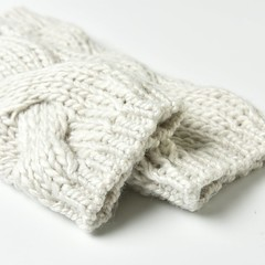 Winter wrist+armwarmer: Dreamriver (heartful-twist) Tags: classic knitaccessories knitting yarn sewing factory white cosy crochetedpattern knittedpattern stylish winter cold normcore warmer wrist