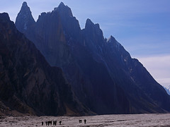 Biafo: Porters on the glacier (Shahid Durrani) Tags: biafo glacier karakorams gilgit baltistan pakistan