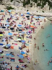 Spiaggia (farsergio) Tags: farsergio europa europe italia italy calabria vibovalenzia tropea mare sea spiaggia beach bagnanti gente people viaggio vacanza travel canong16
