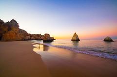 Glcklich sein ...  - Be happy ... (gerhard.boepple) Tags: portugal strand beach mare meer algarve sea water sunset color