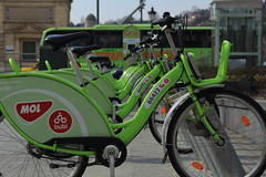MOL Bubi / Bicycle sharing network in Budapest (bencze82) Tags: budapest hungary magyarorszg canon eos 700d tavasz spring voigtlnder apolanthar 90mm f35 slii fvm tr kerkpr bicycle rental mol bubi sharing network