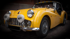 The Race... (Hans-Franz) Tags: triumphtr3 5d classic canon carlzeissjenamcflektogon35mmf24 oldtimer bokeh jaune gelb yellow therace yello