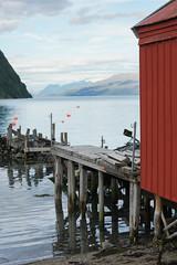 ponton (mimu_13) Tags: norvge norway norge nx500 samsungnx troms maisonrouge redhouse maison house hus