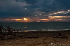 _DSC0975 (. ..::..::::....:::::m.trinciarelli photo::..:..) Tags: mare tramonto cielo spiaggia maredinverno pace