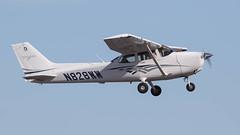 Textron Aviation (Cessna) 172S Skyhawk SP N828WW (ChrisK48) Tags: 172 2016 aircraft airplane cessna dvt kdvt n828ww phoenixaz phoenixdeervalleyairport skyhawksp textronaviation172s