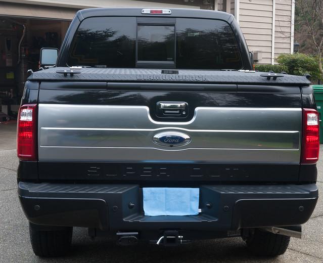 ford aluminum closed s pickuptruck driveway hd rearview diamondback diamondplate superduty blacktruck tonneaucover fs08 truckbedcover blacklinex ruggedblack heavydutytruckbedcover