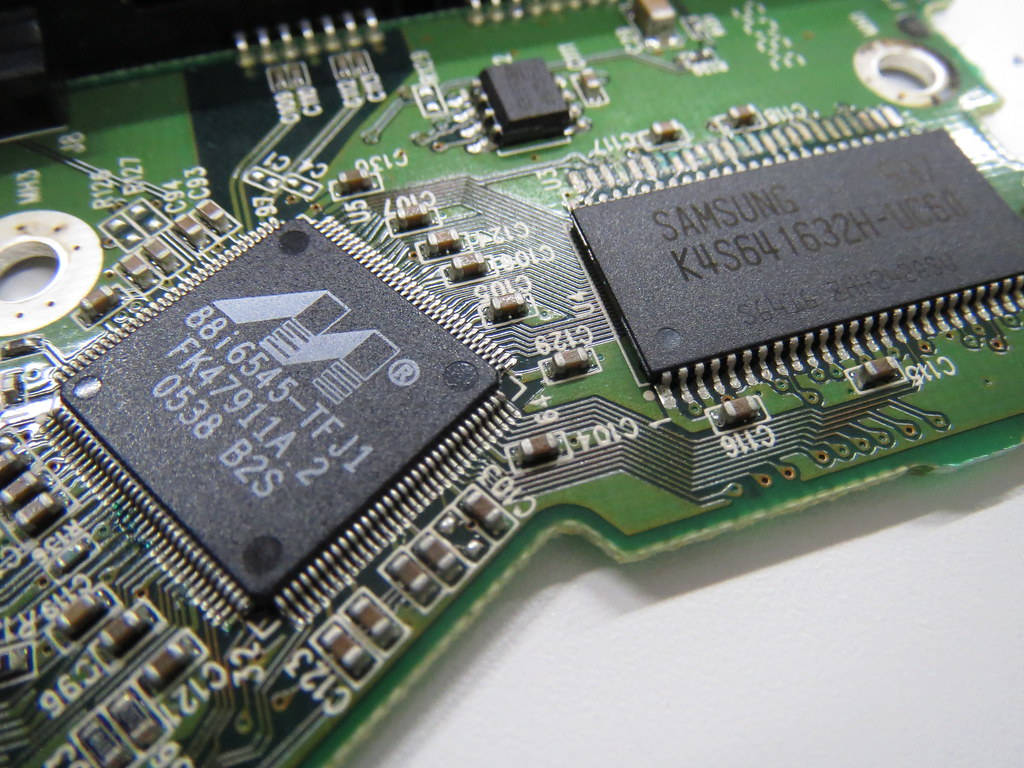 The Worlds Best Photos Of Pcb And Samsung Flickr Hive Mind Hard Drive Parts Logic Board Printed Circuit 100617465 For Disk Controller Shinnygogo Tags Closeup Hardware Pc Device Storage Electronics Gadget Hd753lj Replacement Data