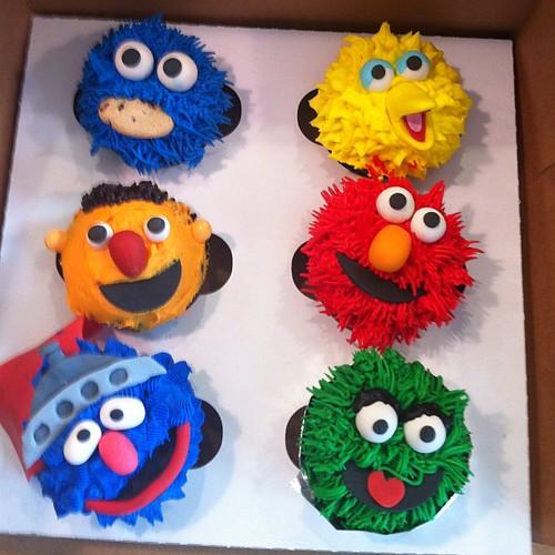 Elmo Cookie Cake