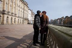 D&J detrs del museo de Estrasburgo (Snake_Kiddo) Tags: kiss redhead estrasburgo strasbourg europa cabello rojo pelirroja pareja amor europe beso