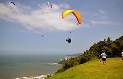 Morro da Asa Delta [ EXPLORED - Feb 24, 2013 #304 ] (De Santis) Tags: summer brazil sky sun sol praia beach sport brasil para sãopaulo sigma céu sp santos verão glider 1020mm esporte d5100 fernandodesantis
