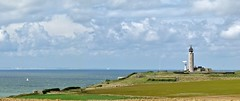England on the horizon, in the foreground Cap Gris-Nez France - In Explore op 06-03-2013 # 021 (Johnny Cooman) Tags: sea panorama lighthouse france landscape pano natuur wolken zee explore getty frankrijk nordpasdecalais vuurtoren fra cloudscapes landschap wolk pasdecalais audinghen explored lesdeuxcapes canons5 wolkformatie wolkformaties
