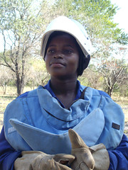Demining in Mozambique  –  Albertina, 20 –  Mozambique (Humanity & Inclusion UK) Tags: landmines handicapinternational mozambique demining internationalwomensday sofala deminers 8thmarch