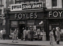 London, 5 November 1955 (allhails) Tags: london cu foyles bz16 bz16cu