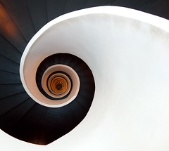 Wave ... (Desideria) Tags: stairs spiral wave bilbao staircase spirale diamondclassphotographer flickrdiamond ostrellina