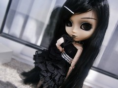 Shine bright like a diamond  | Phoenix, Pullip Chill. ( Nukeh) Tags: black doll dress dal 2006 scene diamond cancan pullip luts blackhair blackeyes coolcat blackclothes paleskin isul lacedress junplanning taeyang leekeworld byul mimiwoo pullipchill gothicdoll lolitastyle grooveinc happycamille titadoremi yeolume obitsu27cmsbhmwhite obitsuonpullip
