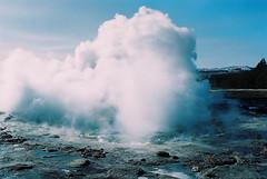 N008-20130317-2SJ1060034 (Simon Jourdan) Tags: from blue snow simon fall nature water landscape photo iceland back lagoon reykjavik ligth neige geyser northern paysage cascade geysir islande montains aurore boreale jourdan
