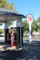 Restored Texaco color (plasticfootball) Tags: gasstation missouri texaco desoto fillingstation petroliana
