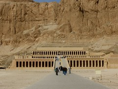"Hatchepsut Luxor • <a style=""font-size:0.8em;"" href=""http://www.flickr.com/photos/92957341@N07/8594527464/"" target=""_blank"">View on Flickr</a>"