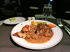American Airlines (LAXFlyer) Tags: food dinner main first class course american meal airlines americanairlines firstclass transcontinental maincourse transcon