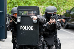 Motorola APX Radio - SWAT Photo Shoot (robcwilliams) Tags: radio florida action police special communication motorola plantation guns fl solutions emergency apx tactics swat weapons