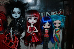 Edward, Luka, Glimmer and Bubbles (tertlecrazy55) Tags: red ooak dumbo dal edward riding hood pullip bloody custom scissorhands pinnochio taeyang byul rechipped