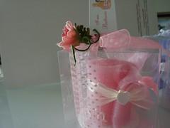 VELA ENROLLADA ROSA (ilmiomondoincera) Tags: blanco casa artesanal rosa vela regalo bodas cera bombonera yeso decoracion pachuli enrollada