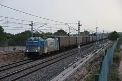 Hasta pronto (Trenesmania) Tags: trenes trains railway ferrocarril mercancas comsarailtransport comsa papelero contenedores papel 253 traxx 253103 teco silla elespartal ametllademar corredormediterrneo