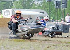 drag038 (minitmoog) Tags: dragrace grass dragracing sleds snowmobiles skoter veteran vintage lycksele
