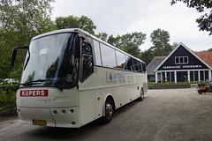 Kupers 265 VDL BOVA Futura FHD 13-340 XE 12,7 Meter met kenteken BR-NF-45 bij Buitengoed Fredeshiem Steenwijk 06-08-2016 (marcelwijers) Tags: kupers 265 vdl bova futura hd 13340 13 meter met kenteken brnf45 bij buitengoed fredeshiem steenwijk 06082016 deze bus is de 1000e afgelverde classis van valkenswaard 12 7 xe fhd 13340xe 340xe coach reisebus touringcar autobus dutch nederland
