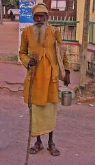 INDIEN, Khajuraho, old indian man, 14246/7112 (roba66) Tags: indienindiennordasienasiaindiaindenorthernindiaurlaubreisentravelexplorevoyagesvisittourismroba66indianmanoldoldmanoorindianlifemadhyapradeshkhajurahotempeltempelanlagetemplehinduismjainismindien khajuraho man oldman indian indien indiennord asien asia india inde northernindia urlaub reisen travel explore voyages visit tourism roba66 madhya pradesh  indianlife indianscene indiansequence menschen leute people