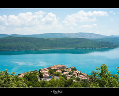 Le lac de sainte croix / Les gorges du Verdon (NiCo' ( vip2pak ) - Nicolas TARIQ) Tags: france gorge du verdon lac bleu water lake eau ciel sunset nature sainte croix village nikon d800 nicolas tariq 2016 summer t colors moutains couleurs vives montagnes rochers rocks gorges canyon french francais lipide calme paisible poster photozen