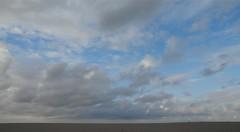 Regenneigung in St. Peter-Ording; Eiderstedt, Nordfriesland (3) (Chironius) Tags: eiderstedt nordfriesland schleswigholstein deutschland germany allemagne alemania germania    ogie pomie szlezwigholsztyn niemcy pomienie stpeterording nordsee meer see wolken clouds wolke nube nuvole sky nuage  himmel ciel cielo hemel  gkyz northsea mardelnorte maredelnord merdunord