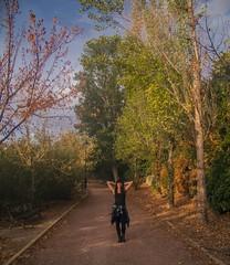 Pose en el parque (Ivn.Gnell) Tags: naturaleza pose retrato alba parque paisaje cmara digital finepix fujifilm f550exr espaa provincia alcoy alicante cielo vegetacin urbano ciudad autofocus