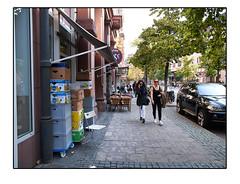 Auf dem Weg ins Viertel (HP-Fotografie) Tags: germany deutschland hessen frankfurt am main zooviertel lumixgx1