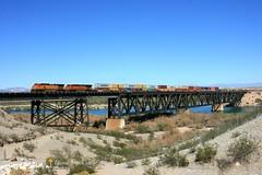 BNSF 4344, WB, TOPOCK, AZ 9-16-16 (TRAINFLAMES) Tags: bnsf ge c449w locomotive stacktrain bridge coloradoriver transcon topock arizona california