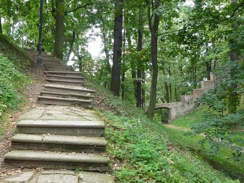 Park na wzgórzu zamkowym w Otmuchowie