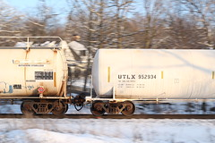 The Tank Car People (geognerd) Tags: railroad cn train illinois tracks railway elgin canadiannational freighttrain eje tankcar elginjolietandeastern utlx uniontankcarcompany 952934