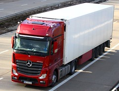 Mercedes Actros new look WB 8003G (gylesnikki) Tags: red truck artic mp4