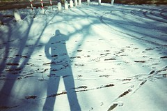 Chupa Snow Shadow Self (Der Ohlsen) Tags: schnee winter shadow snow colour film analog self 35mm germany deutschland xpro slide schatten kb schleswigholstein c41 kodakektachrome100plus ccpp chupachupsphotopop