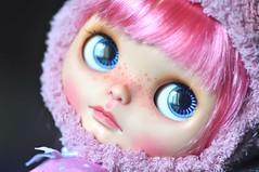 U love my blue eyes? *Melody**