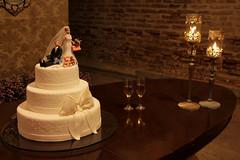 Cake (Andreza Menezes) Tags: wedding roses brazil espelho brasil bride rosa happiness casamento recife vela rosas decorao mos pernambuco doces marrom felicidades fotoclube bemcasado bolodenoiva dibranco marcelaeandr canont4i cakemarriage