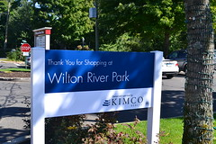 Wilton River Park entrance (Kimco Realty) Tags: shopping connecticut gap chouchou athletesfoot stopshop bowtiecinemas kimcorealty kimcotenants wiltonriverpark kimcoshoppingcenters kimcoretailers
