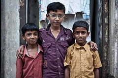 (Sbastien Pineau) Tags: street portrait india color colour kids raw retrato madras portraiture enfants chennai couleur tamilnadu chicos inde tamoul  sebastienpineau