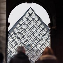 The Glass Pyramid (Hkan Dahlstrm) Tags: paris france art glass museum architecture ledefrance pyramid louvre du muse cropped louvren fr frankrike f35 saintgermainlauxerrois 2013 ef200mmf28lusm canoneos5dmarkii sek 7729032013142337