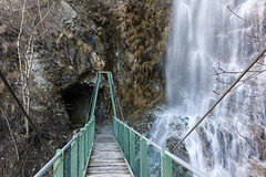 ltschberger sdrampe . valais (Toni_V) Tags: bridge schweiz switzerland waterfall suisse wasserfall hiking rangefinder tunnel brcke wallis valais wanderung wanderweg summiluxm 2013 wintersperre 35mmf14asph 35lux messsucher toniv 130331 leicam9 35mmf14asphfle ltschbergersdrampe l1011231 hohtennausserbergeggerberglalden
